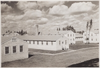 Camp McCoy Barracks, October 1942 [Courtesy of Fumie Hamamura]
