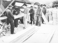 100th Bn. soldiers help build the barracks at Camp McCoy, 1942. [Courtesy of Mary Hamasaki]