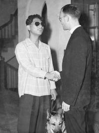 Yoshinao 'Turtle' Omiya meets with Chaplain Israel Yost [University of Hawaii JA Veteran's Collection]
