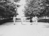 Walking toward Capitol Bldg. Washington D.C. from the back June 21, 1943.  L to R - Toshio Kawamoto, L. Wozumi, Sally and Harold Sugiyama.  [Courtesy of Jan Nadamoto]