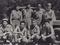 Headquarters Co. 1st Row, l-r: Stanley Hamamura, Akiyoshi Kuriyama, Howard Yamamoto, Lawrence Iwamoto. 2nd Row, l-r: Hidenobu Hiyane, Noboru Taki, Seiji Kimura, Richard Hamada. [Courtesy of Fumie Hamamura]