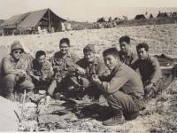 Okazaki and his 442 Regimental Combat Team friends. [Courtesy of Fumie Hamamura]