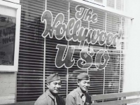 Stanley Hamamura and friend in front of The Hollywood USO. [Courtesy of Fumie Hamamura]