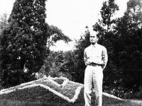Sonsei Nakamura in Riverside Park, Wisconsin, 1942 [Courtesy of Sonsei Nakamura] Inscription: Camp McCoy, Wis. 1942; Riverside Park, Wis