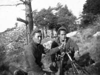 Blue Konishi and Fred Takayama set up a mortar, Italy [Courtesy of Goro Sumida]