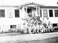 100th Battalion soldiers attend a picnic at a local Wisconsin home (Courtesy of Alvin Tsukayama)