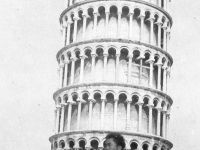 A soldier visits the leaning tower of Pisa, Italy (Courtesy of Alvin Tsukayama)