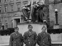 Kutara Masaji, Yone Rich, and Sume Shigeyuki stand in front of a statue of President Lincoln in Madison, Wisconsin [Courtesy of Ukichi Wozumi]