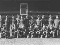 Graduates of the MIS linguist training program at Camp Savage, Minnesota, 1943. [Courtesy of Florence Matsumura]
