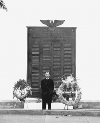 Chaplain Yost at a WWII, 100th Battalion memorial. (Courtesy of University of Hawaii JA Veterans' Collection]