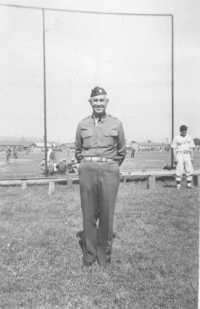 'Coach' Col. Turner at an Aloha baseball team practice, Camp McCoy, Wisconsin, September 1942 [Courtesy of Sandy Tomai Erlandson]